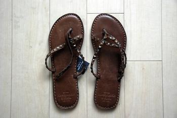 Vintage-Leather-Flip-Flops.jpg